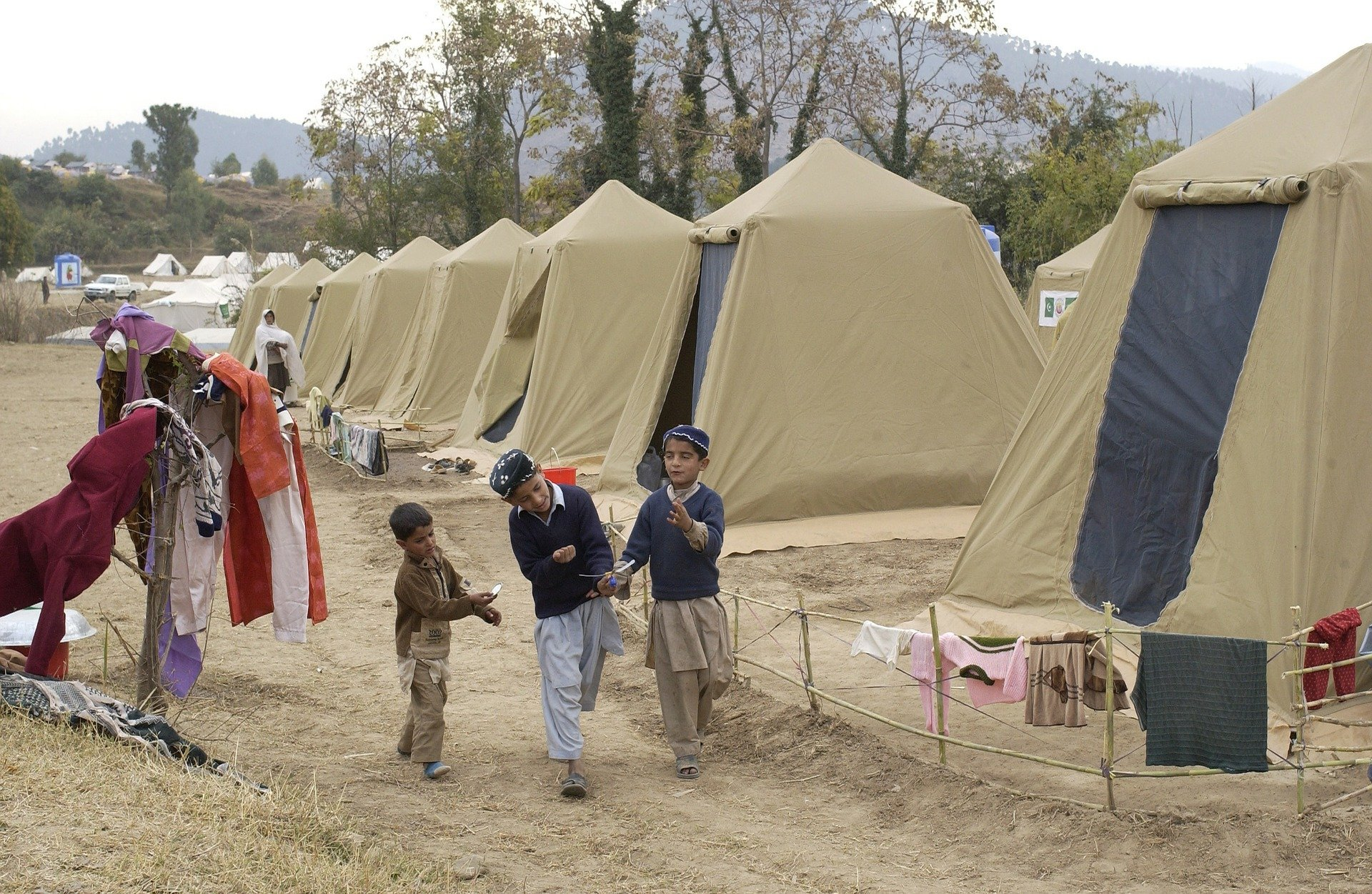 Image of children in a refugee camp