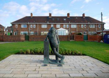 Andy Capp statue