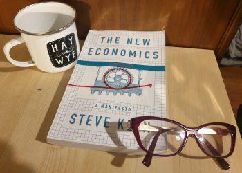 the new economics a manifesto